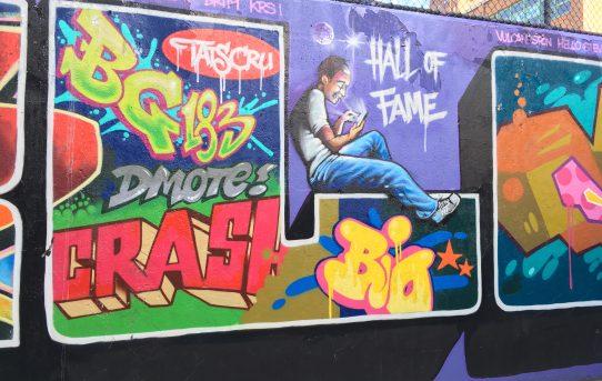 Legal graffiti vs. Illegal graffiti