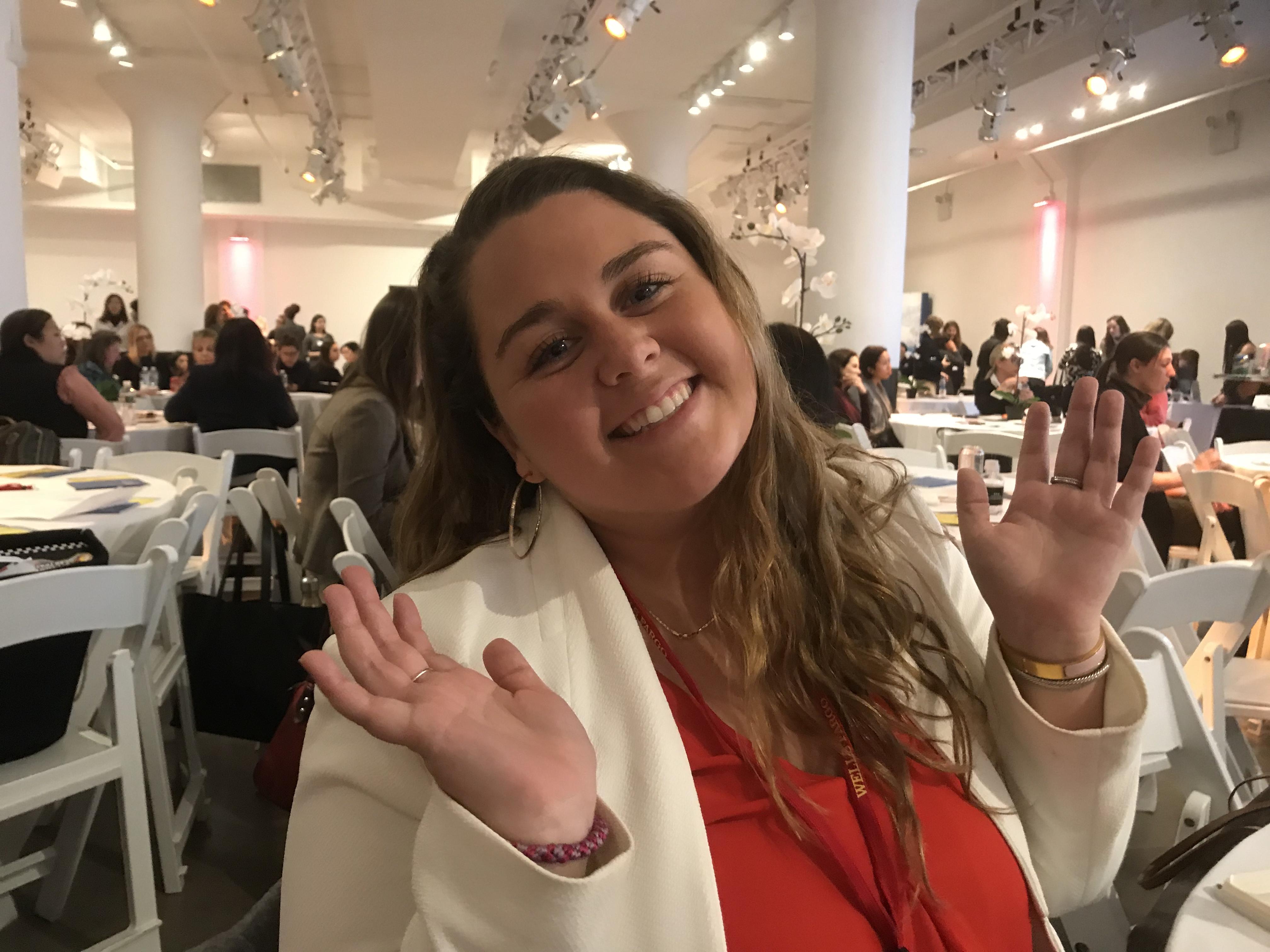 Justine, Social Media Guru