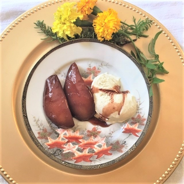 Mia's Poached Pears