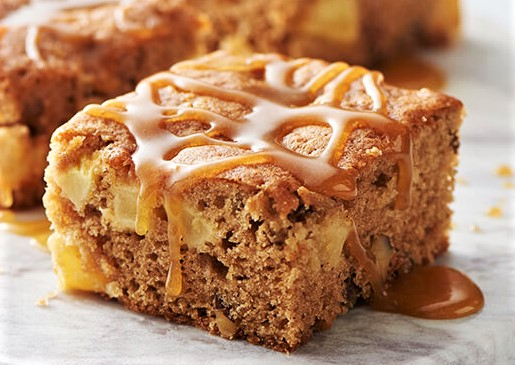 APPLE SPICE CAKE WITH CARAMEL SAUCE